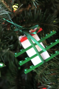 lego CHRISTMAS TREE time!-600