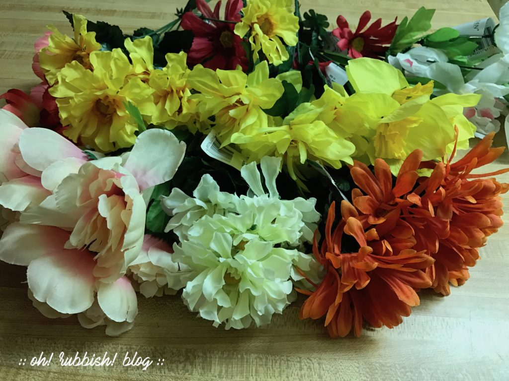 DIY Flower Garland Wedding :: Garden Party Decor :: Mother\'s Day ...